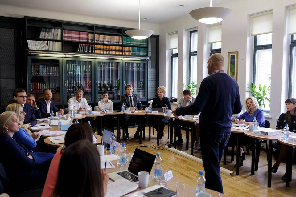 WDI Faculty Affiliate John Branch teaches a marketing module during the 2016 Strategic Management Program in Latvia.