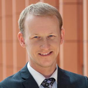 Headshot of Daniel DeValve